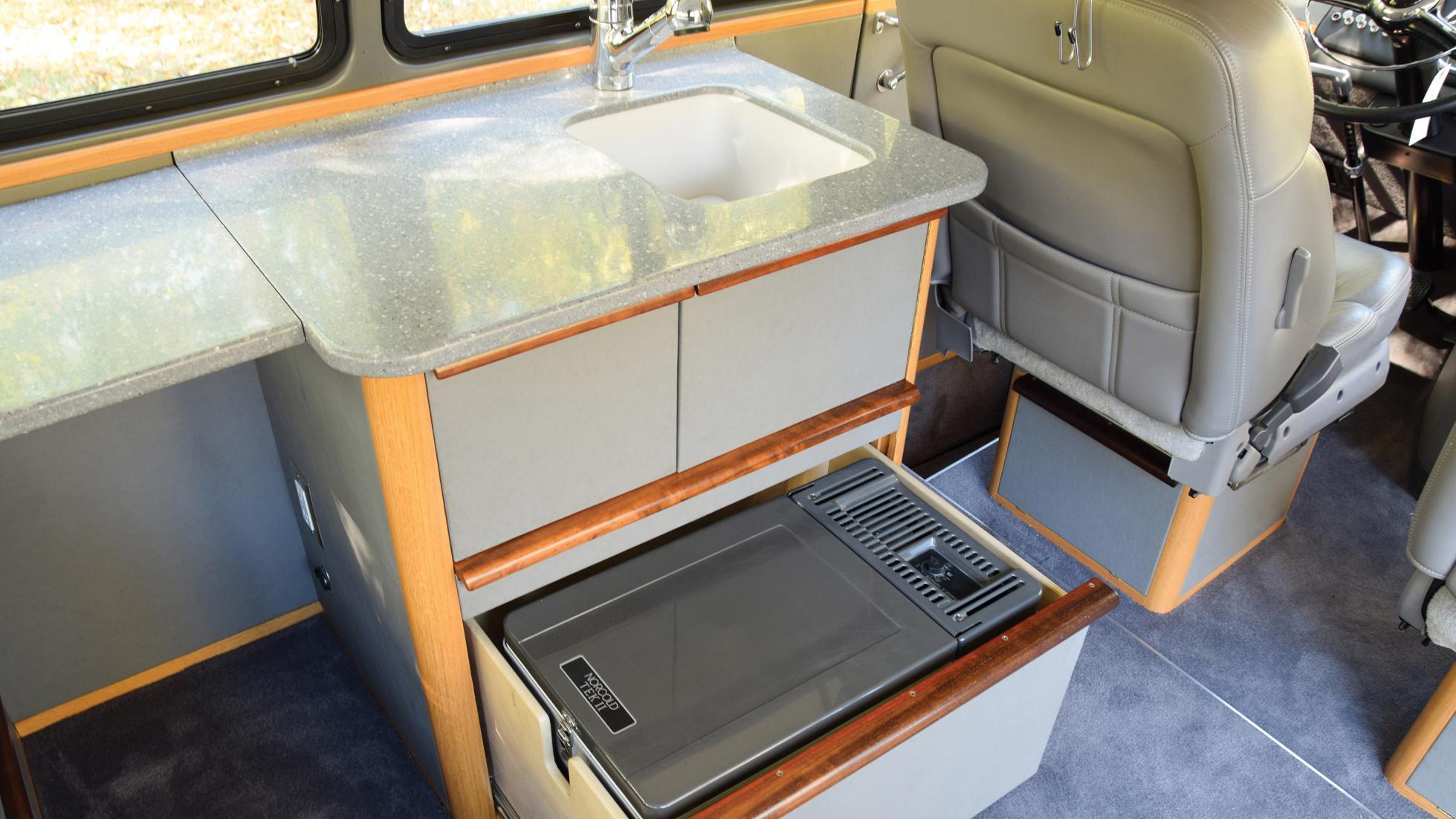 Mercedes Camper - Coolbox