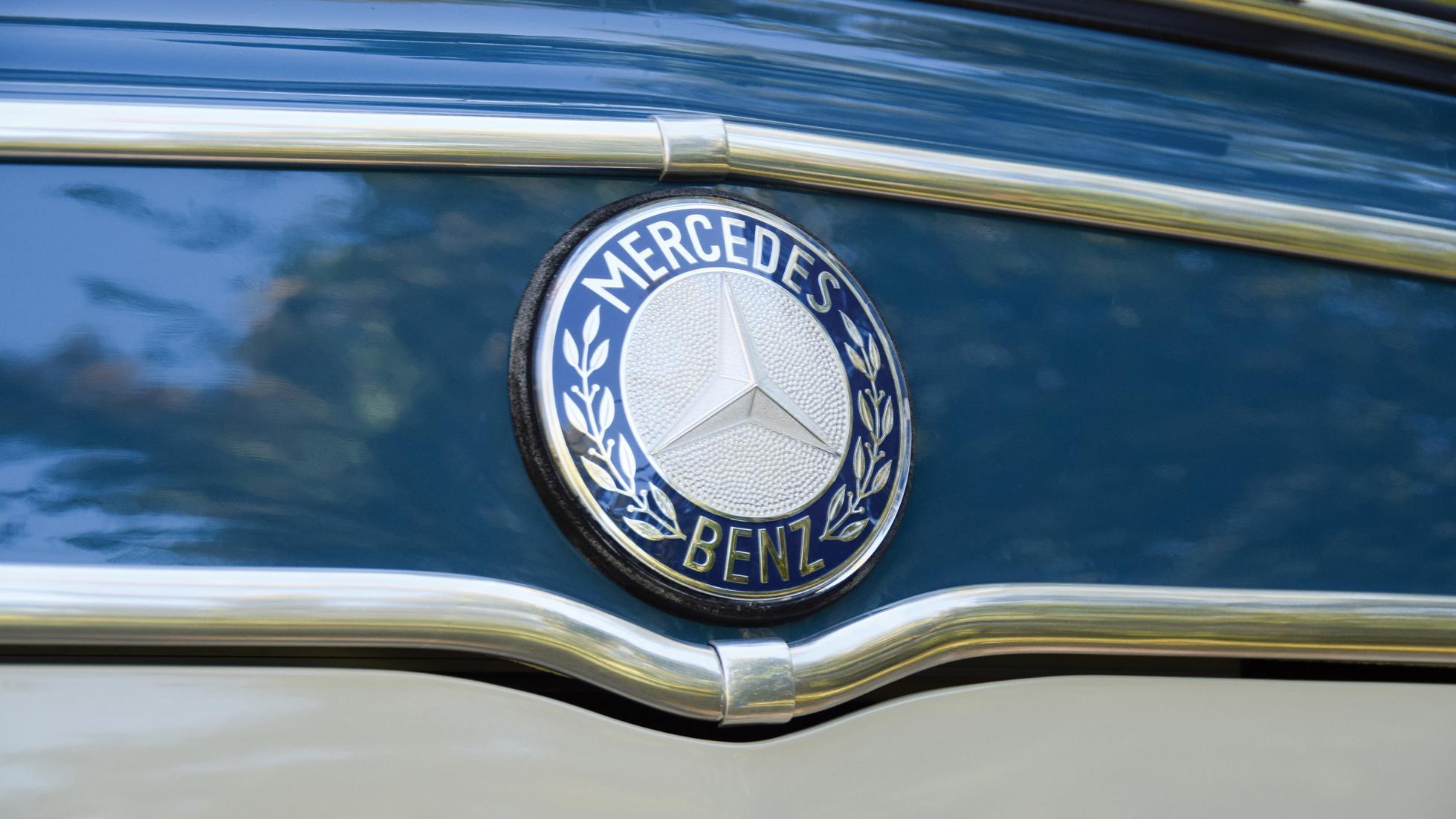 Mercedes Camper - Badge
