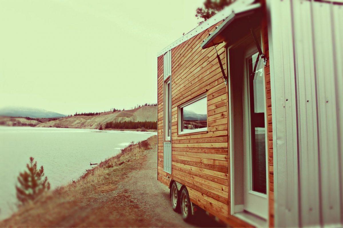 Tiny Eco House - Leaf House Lake Shot