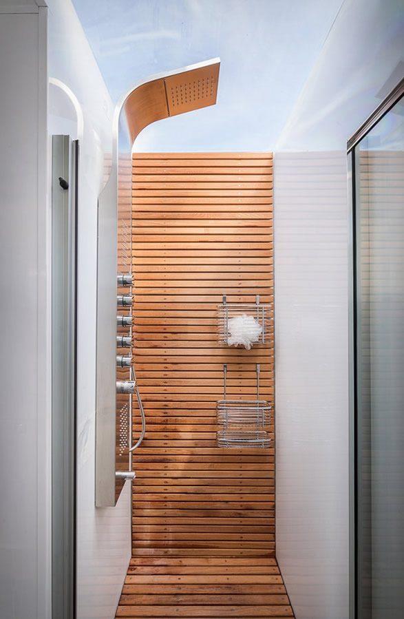 Tiny House - shower