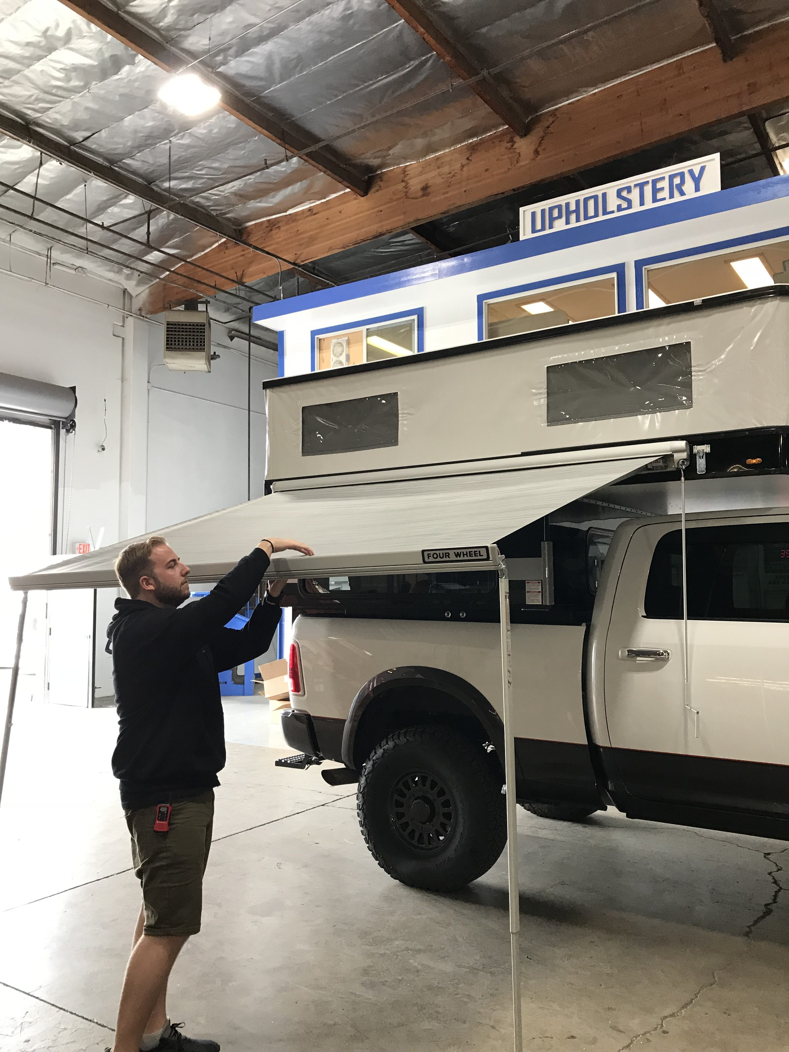 Four Wheel Campers - Hawk awning