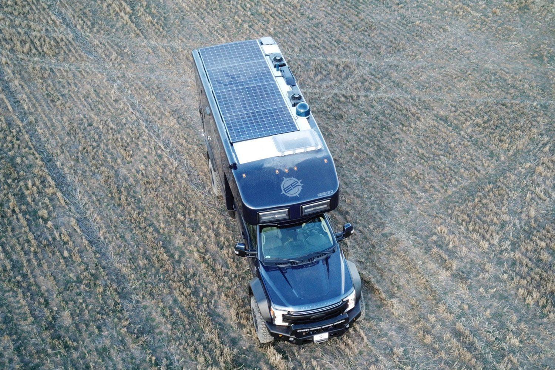 Ford EarthRoamer - solar