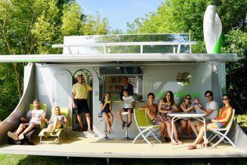 Off Grid Caravan - feature