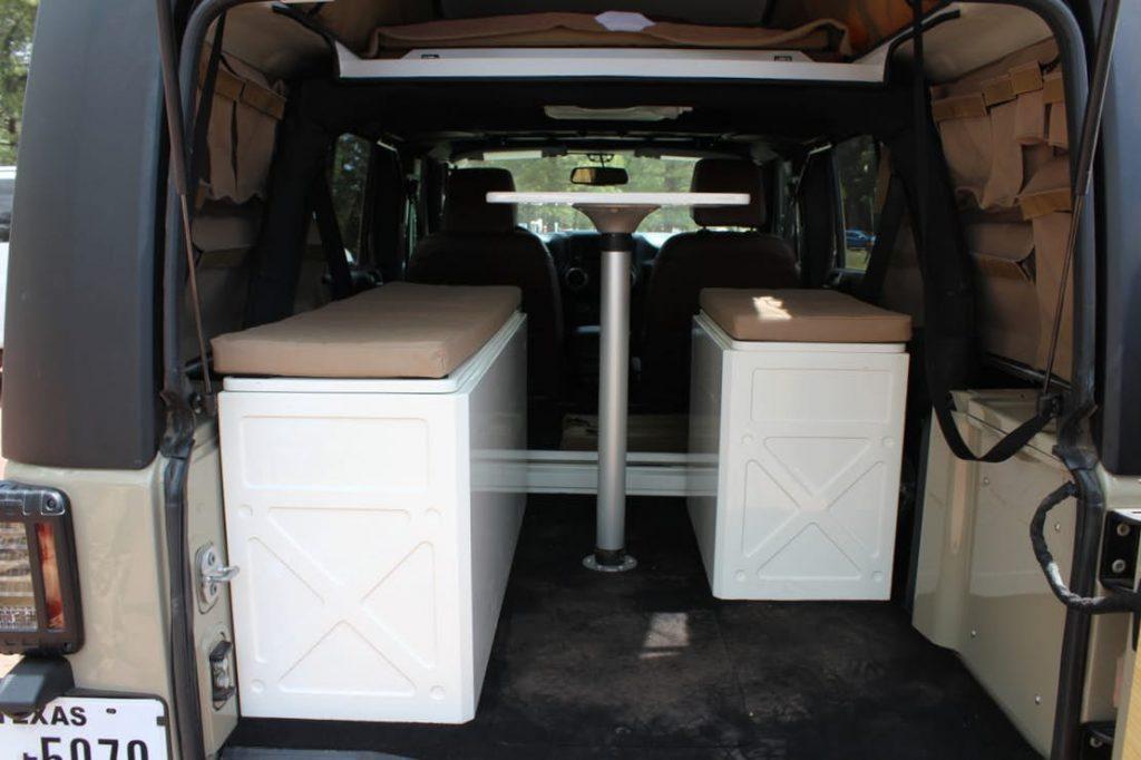 Jeep Wrangler Camper - kitchen