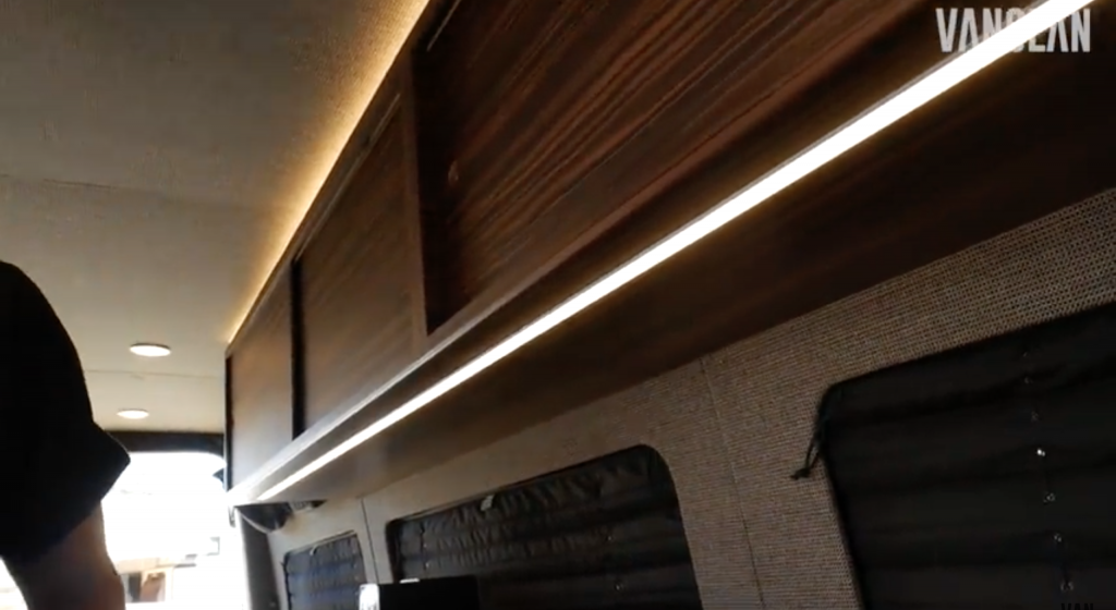 Clever LED strip lighting under and above the cabinets in the TouRig Chief Hosa