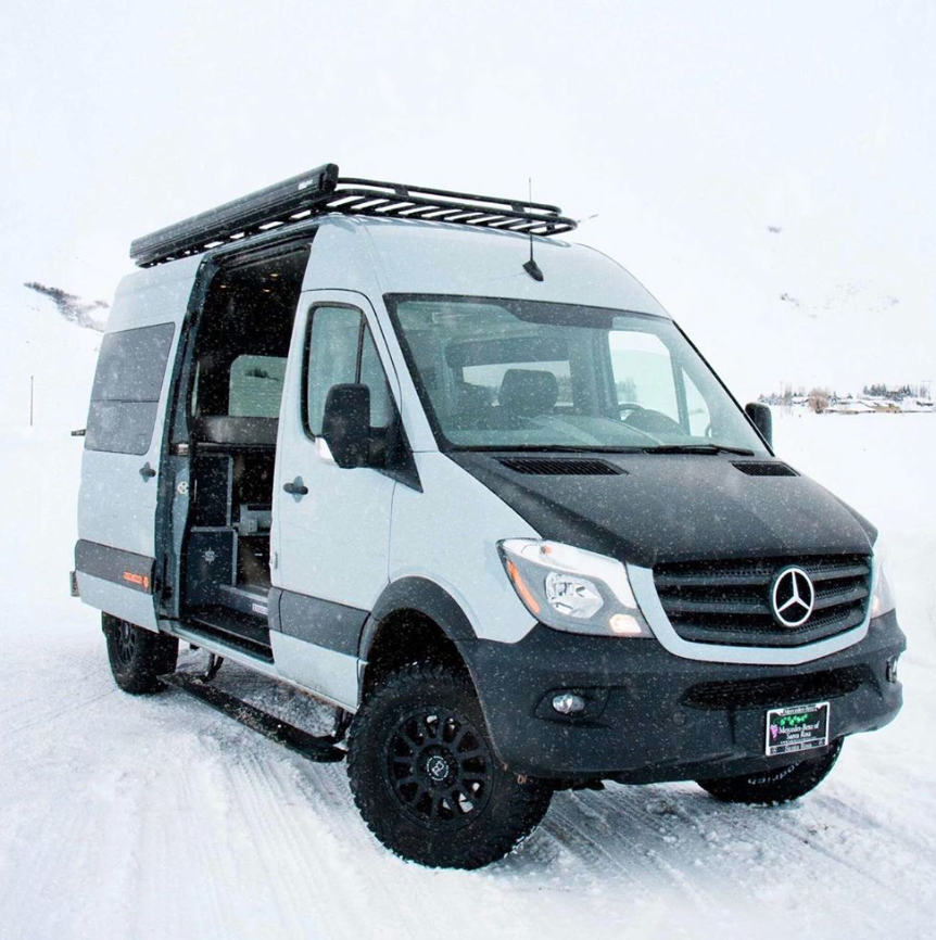 SYNC Vans in the snow, white van hiding out in the snow!