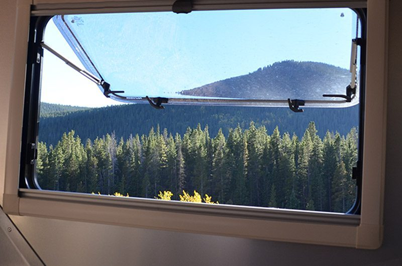Cricket Camper - windows