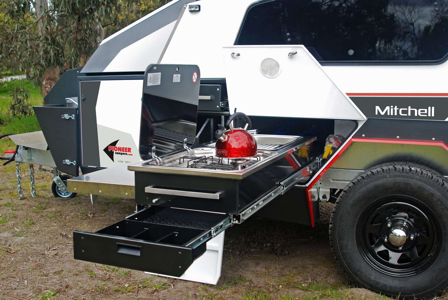 camper-trailers-mitchell-2