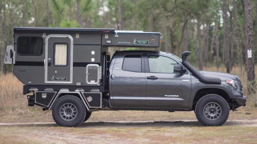 off road trucks - Toyota Tundra with air inlet pipe and FWC pod
