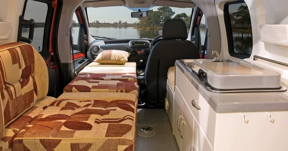 romahome van with bed
