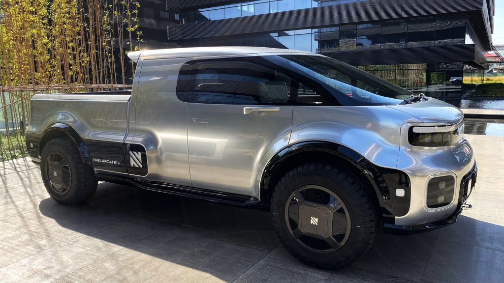 A side profile of the Neuron EV Electric truck