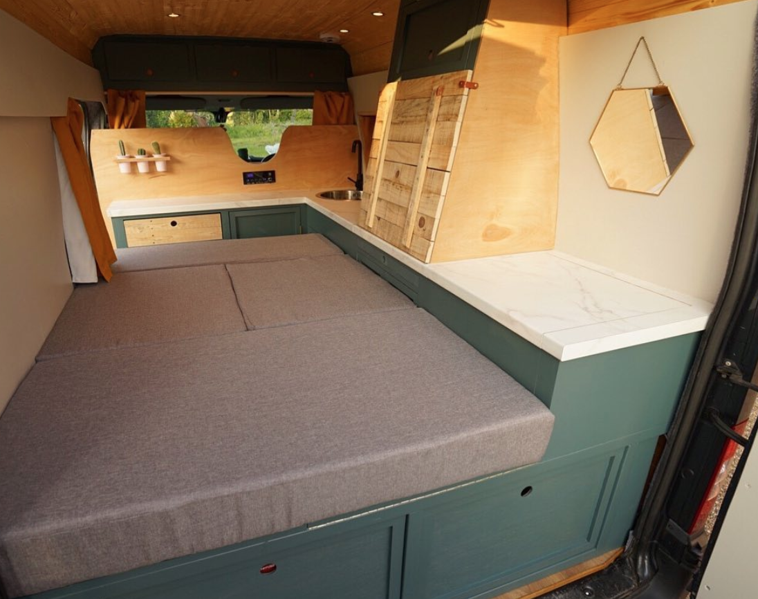 Van_Life_Hacks_Sofa_Bed_Camper