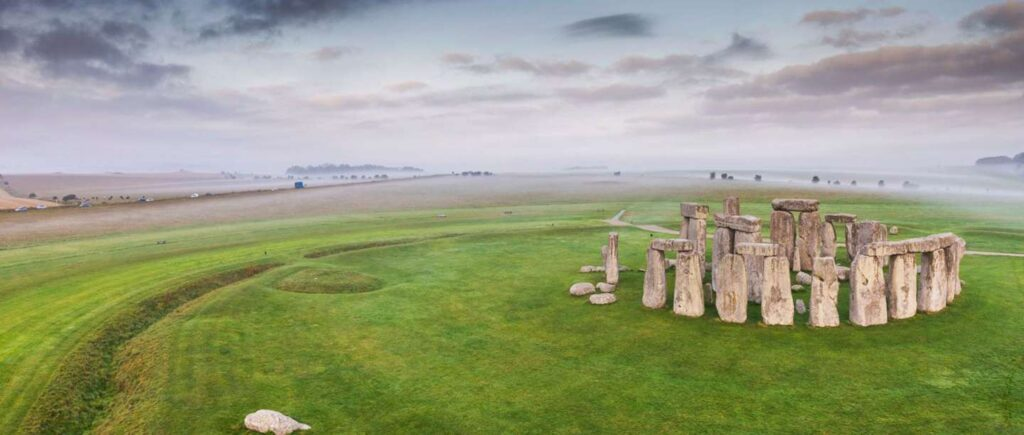 Places to visit in UK  - Stone Henge